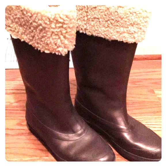 748766f8ff5 UGG Millcreek Wellies 5699 Boots